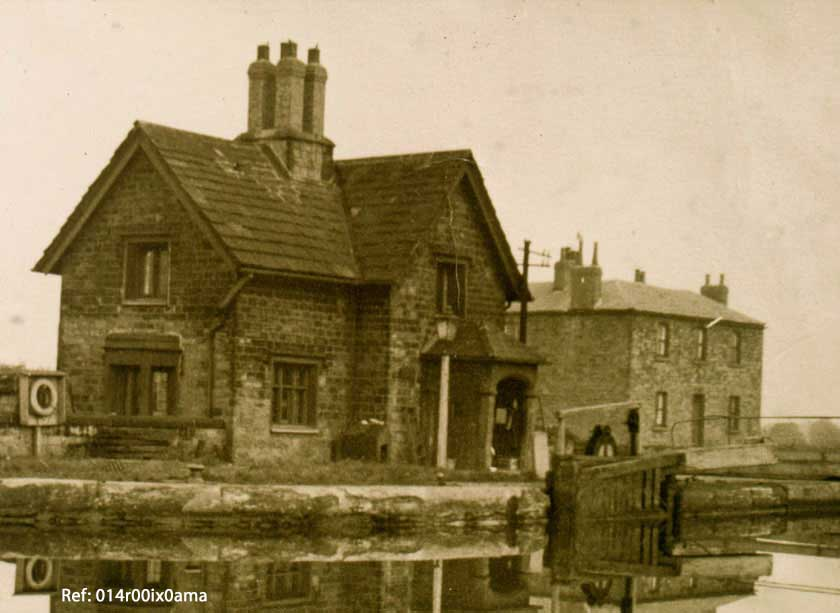 Lock Keepers house and Lemonroyd cottages
