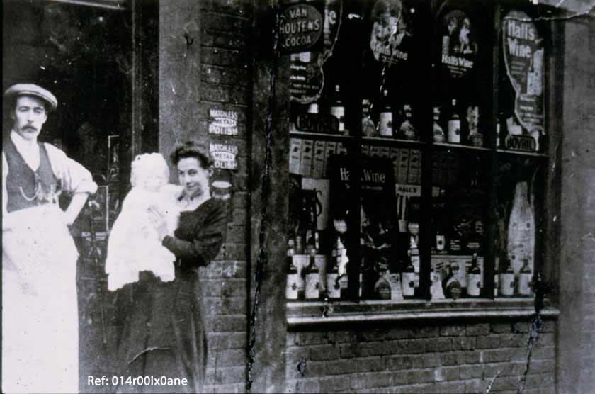 Off licence shop, Main Street.